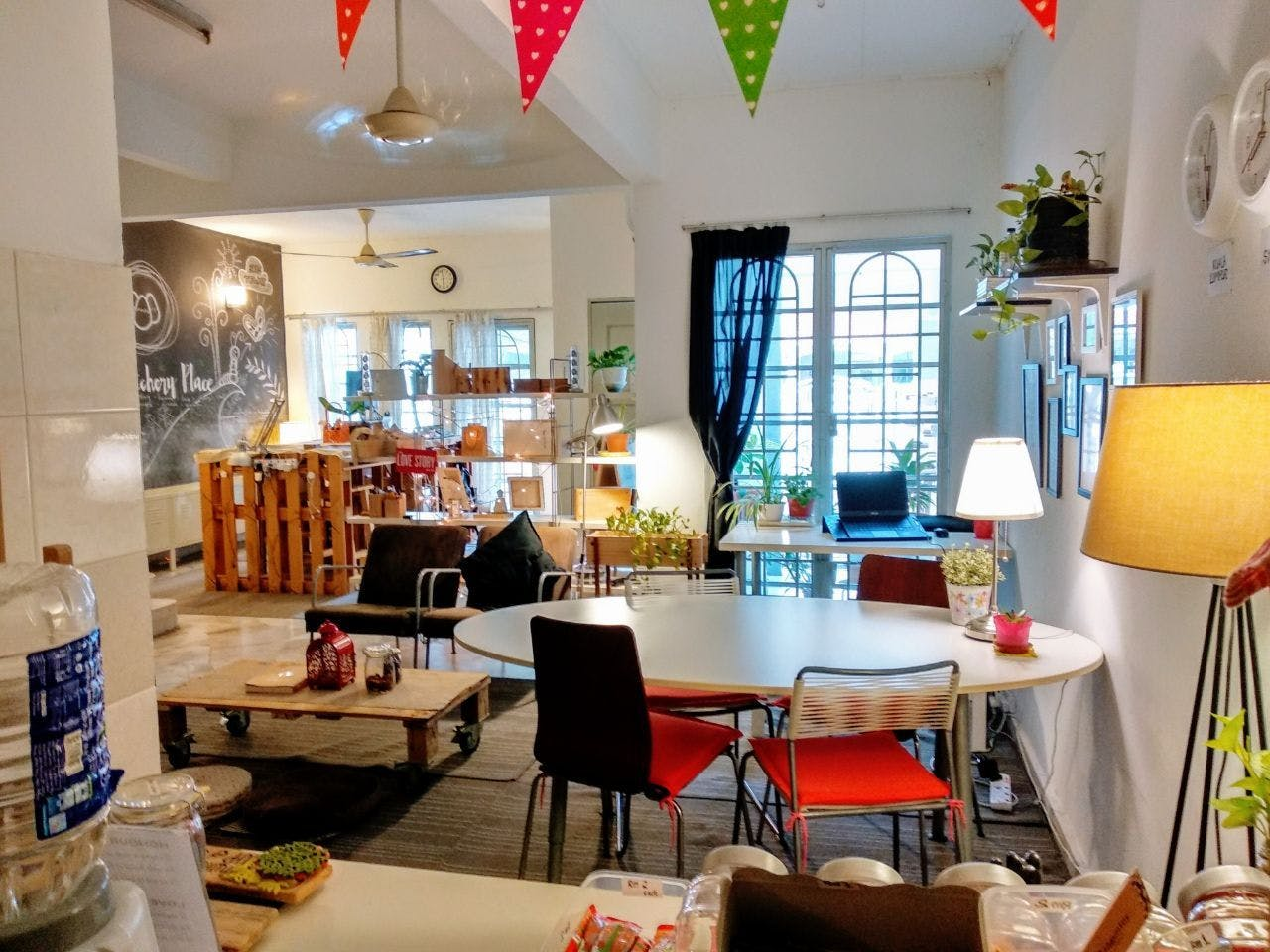 Vibrant Boho Styled House w/ Coworking
