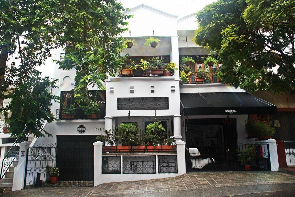 4 Residents   Cra. 24B. - Miraflores   Vibrant Modern House - Incl. Workspace + Rooftop Terrace