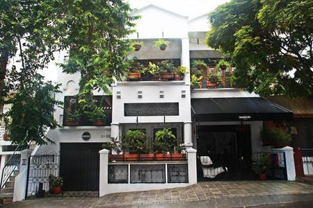 4 Residents | Cra. 24B. - Miraflores | Vibrant Modern House - Incl. Workspace + Rooftop Terrace