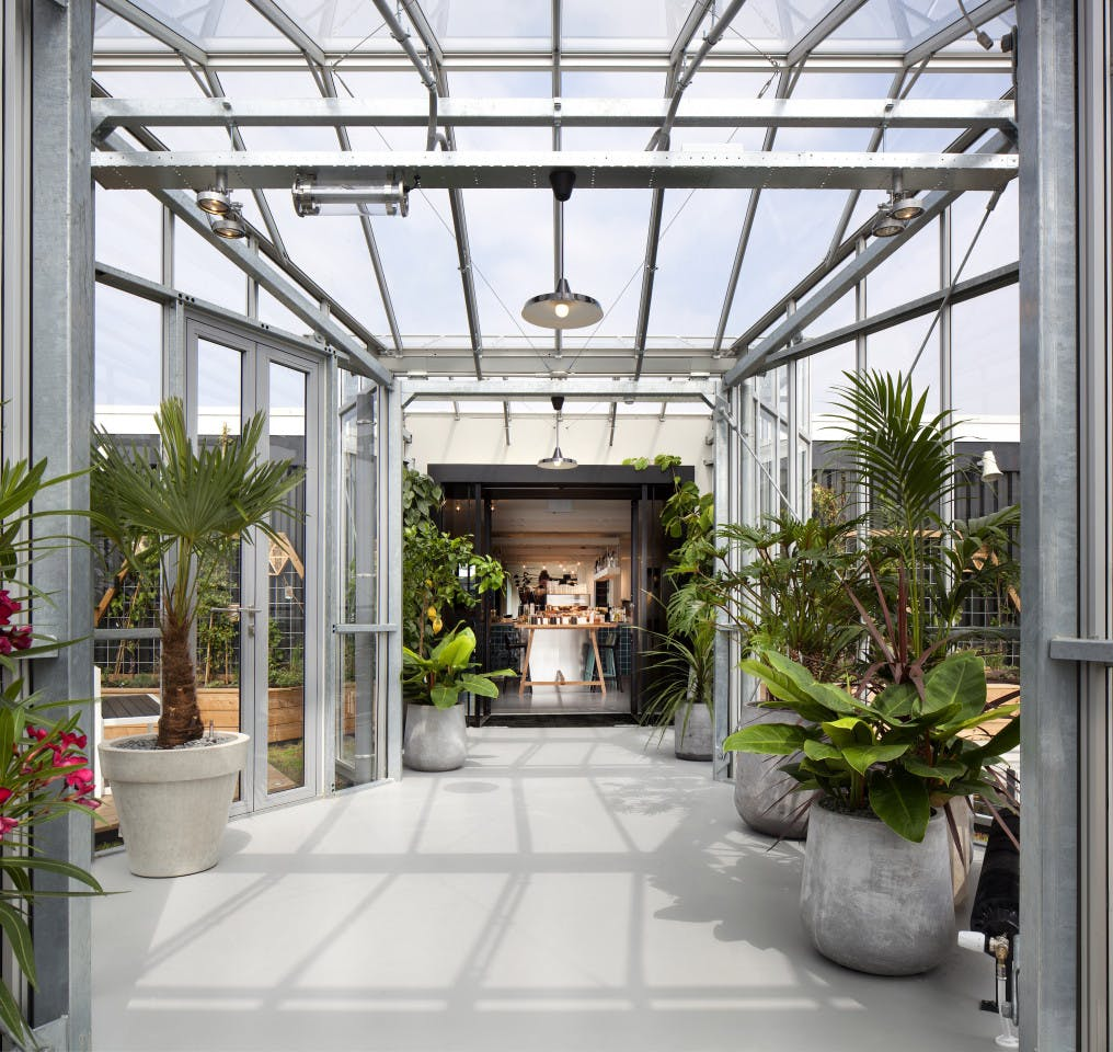 Modern Designed Loft w/ Coworking