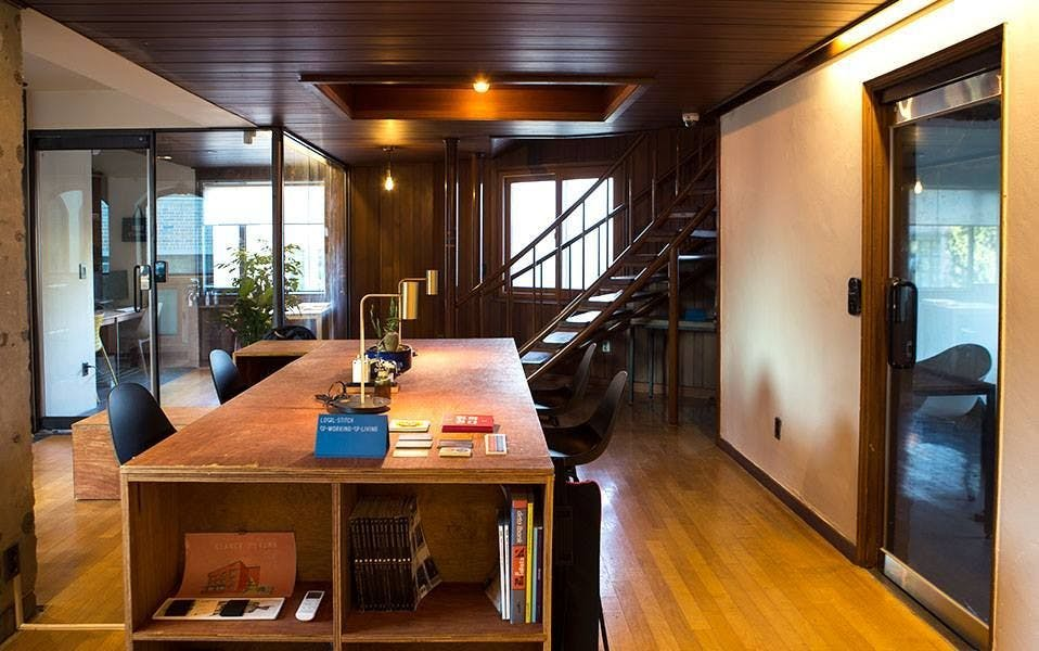 8 Residents | Mapo-gu | Unique Renovated House - Incl. Coworking + Rooftop Deck