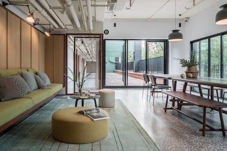 Exclusive Cozy Designed Studio  - Incl. Coworking + Bar + Terrace
