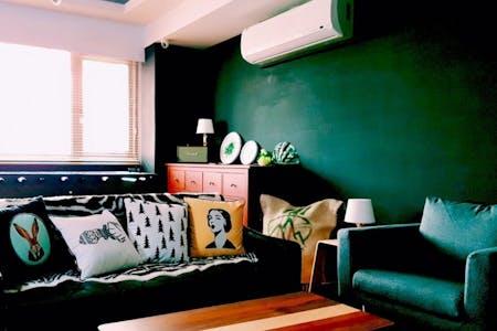 16 Residents   Ximen   Generous Modern Apt. w/ Workspace