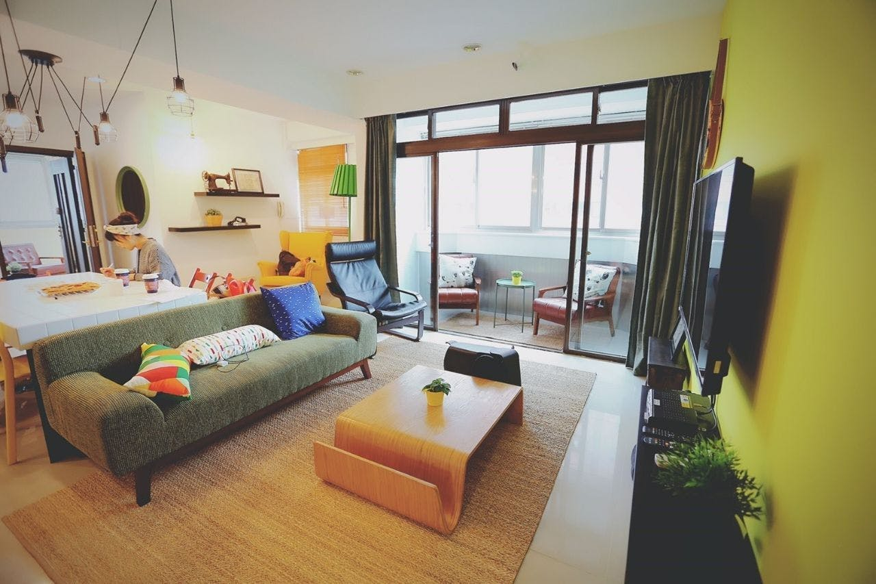 24 Residents | East Dist.| Colorful Vintage Style Apt. w/ Workspace + Rooftop Deck