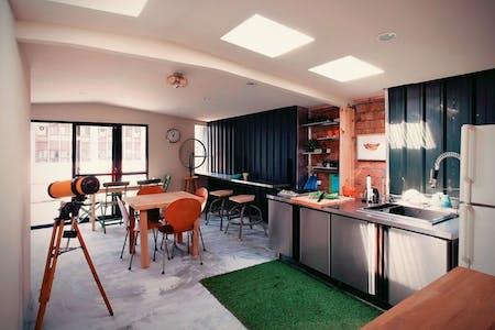 25 Residents   Dongmen   Renovated Spacious Modern Apt. w/ Workspace + Rooftop Deck