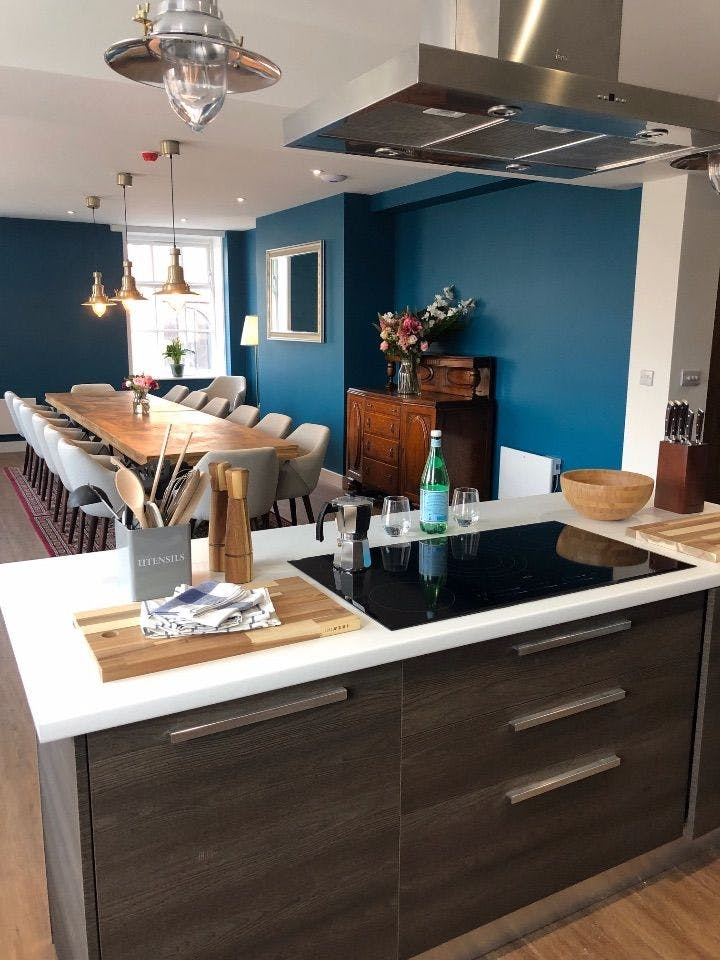 15 Residents   Swan St. - Ancoats   Cozy Elegant Studio - Incl. Workspace