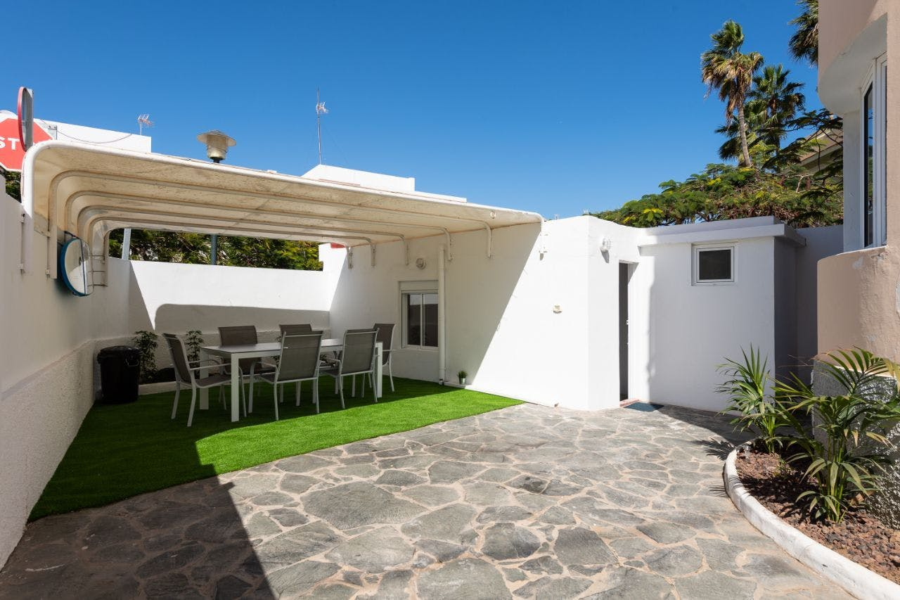 7 Residents | Ciudad Jardín | Chilled & Comfortable House - Incl. Coworking + Rooftop Deck