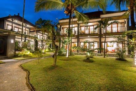 Luxury Traditional Villas  w/ Coworking + Pool + Gardens