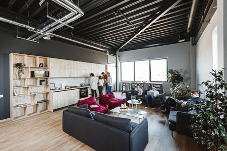Stylishly Renovated Apt. w/ Coworking + Gym