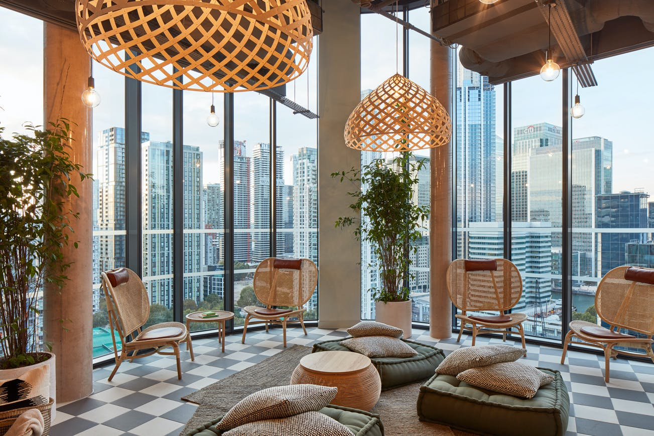 338 Residents | Canary Wharf | Upscale High-Rise Studio. w/ Coworking + Spa + Rooftop Pool