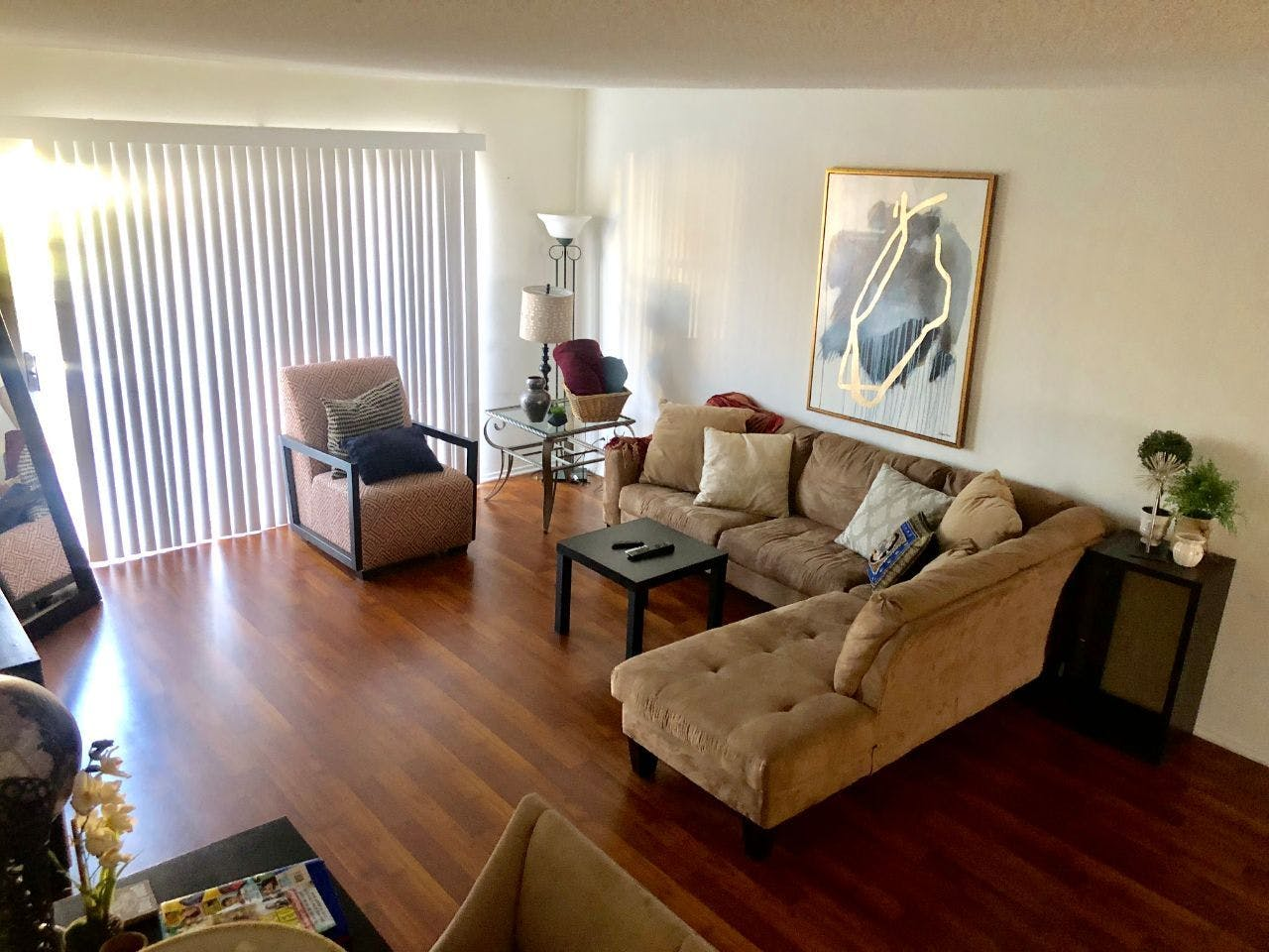 9 Residents | Waring Ave. - West Hollywood - Great location | Bright & Elegant Apt.