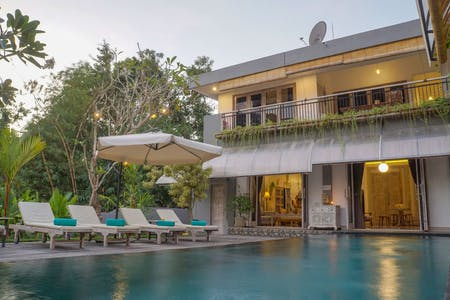 Stunning Tropical Villa w/ Pool + Rooftop Terrace