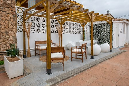 5 Residents | Ciutat Vella - Central Valencia | Bright & Vintage Style House - Incl. Terrace