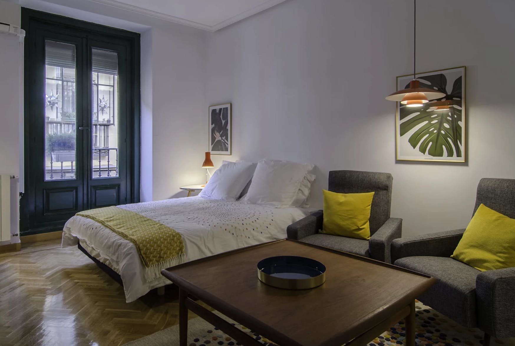 3 Residents | Calle del Barquillo - Justicia | Chic Studio w/ Balcony and Coworking