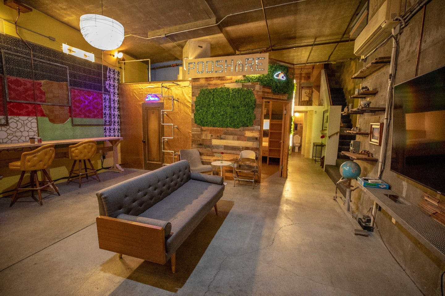 Little Italy - 5 mins drive from San Diego airport | Individual Pods