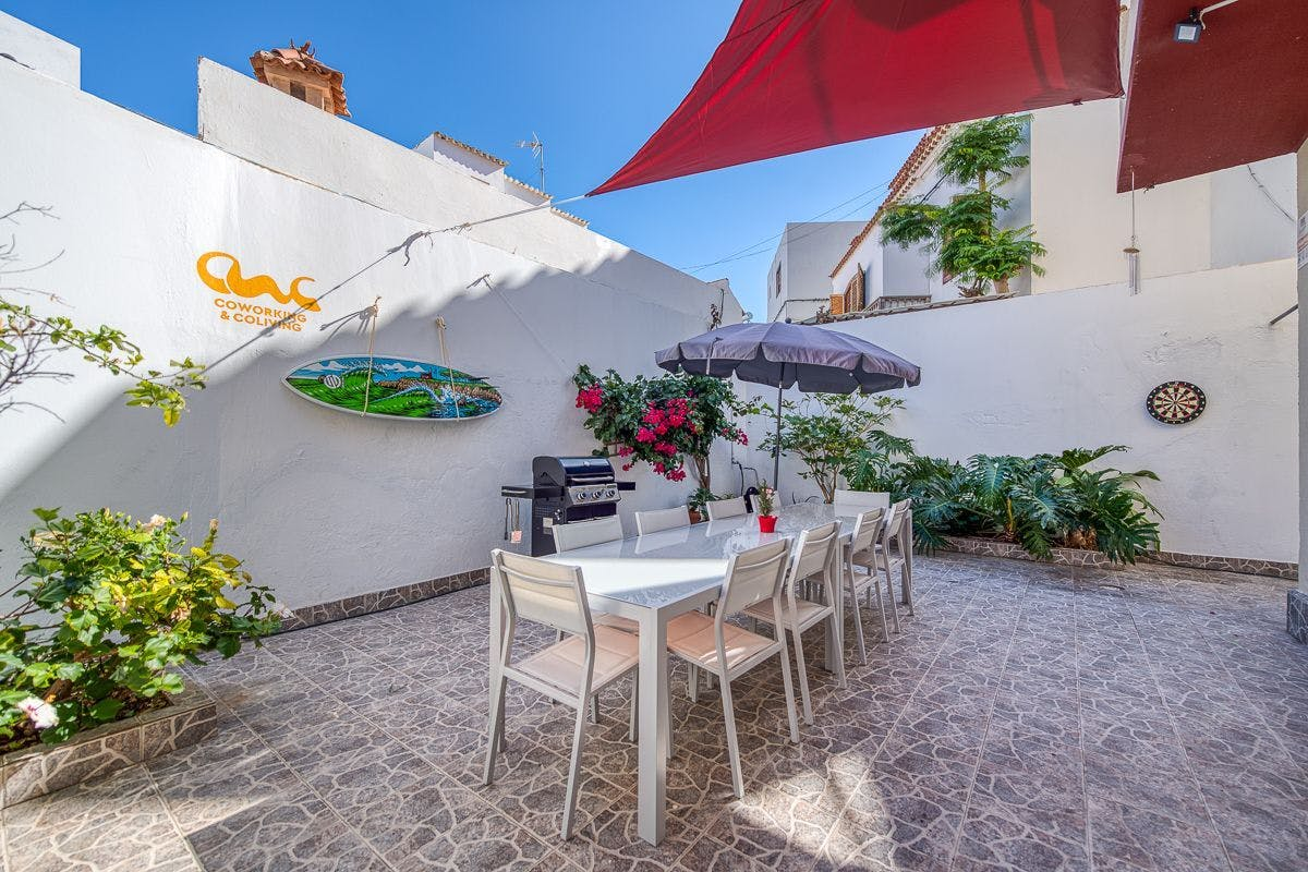 5 Residents | Ciudad Jardín - 5 min from The Beach | Amazing Decorated Villa - Incl. Workspace + Terrace