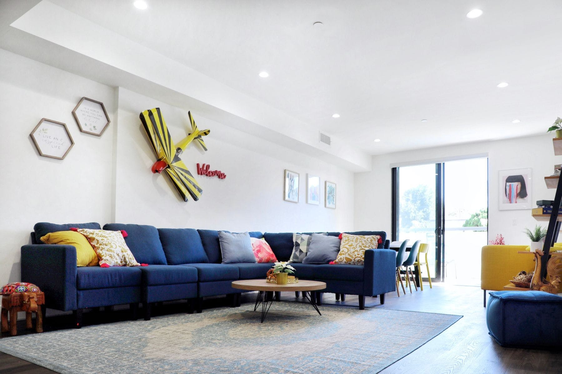 12 Residents | Richland Ave. -  Westwood - 15 mins from UCLA | Modern Urban Complex - Incl. Coworking + Terrace