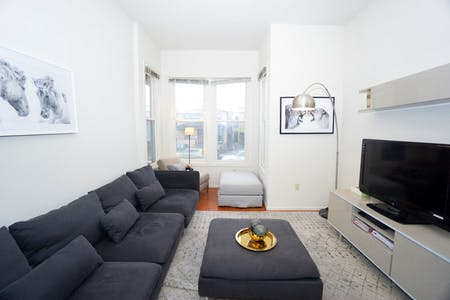 8 min Walk to Campus   Big & Modern House - Incl. Coworking