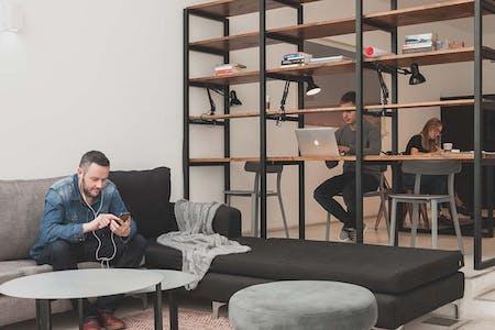 Prime Location | Modern Loft Apt. - Incl. Pool + Solarium + Coworking