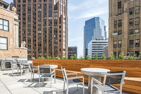 102 Residents | Wall St. - Downtown Manhattan | Overlook Luxury Apt. - Incl. Private Rooftop + Gym