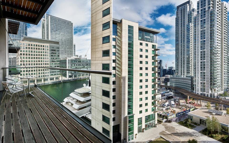 Luxury Highrise Apt. - Incl. Gym + Pool + Terrace