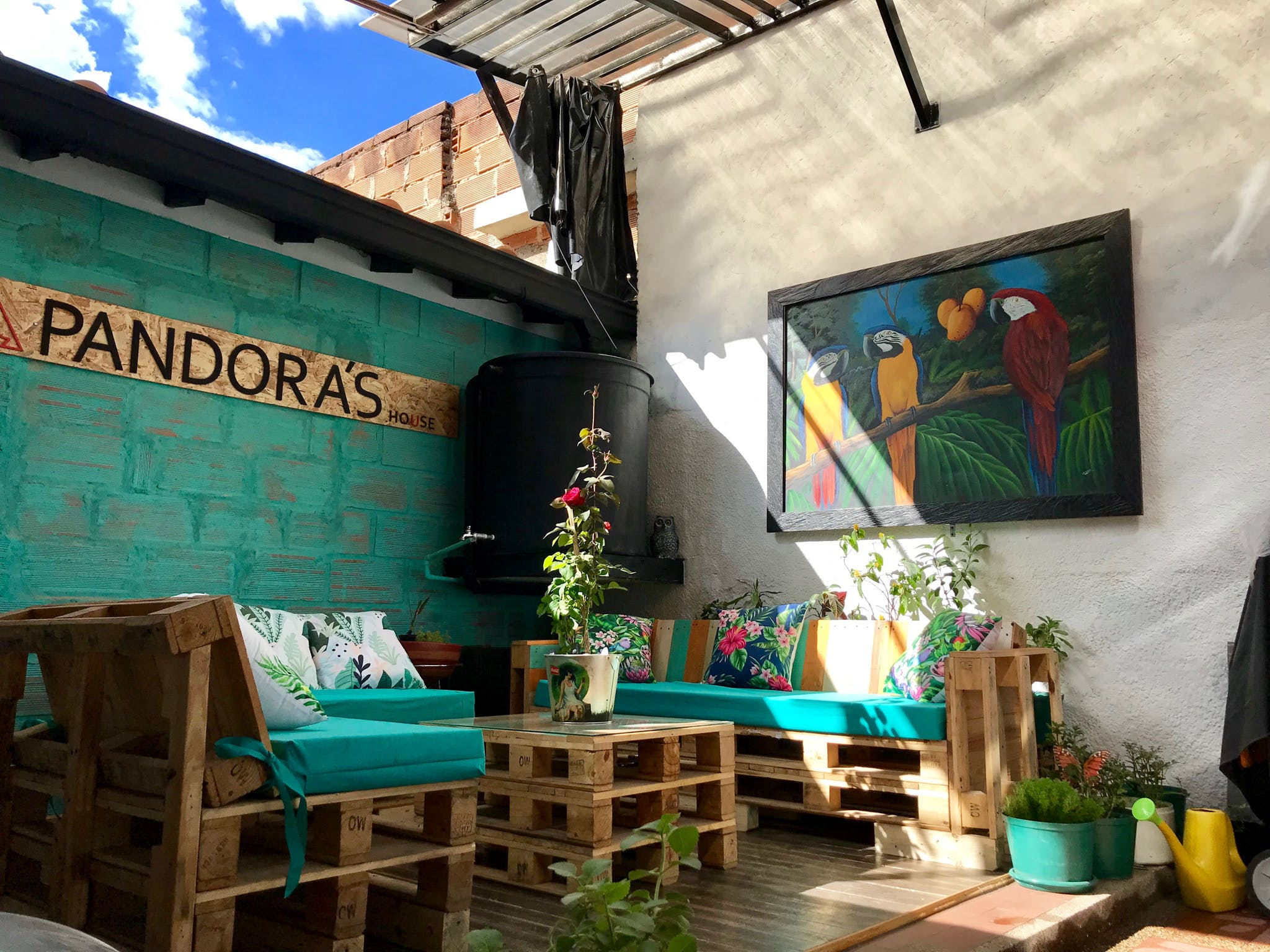 12 Residents   San Marcos - Envigado   Ecofriendly Trendy House - Incl. Coworking + Lounge Areas