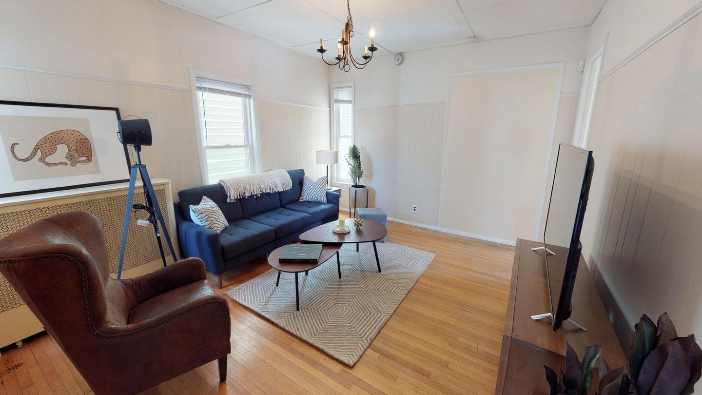 4 Residents | Warren Ave. - Magoun Square | Bright Classic House w/ Terrace + Outdoor Areas