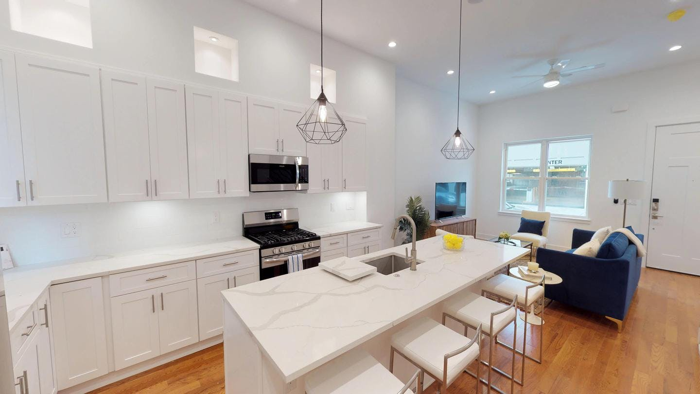4 Residents | Northern Liberties | Stylish Designed Apt. w/ Rooftop Deck