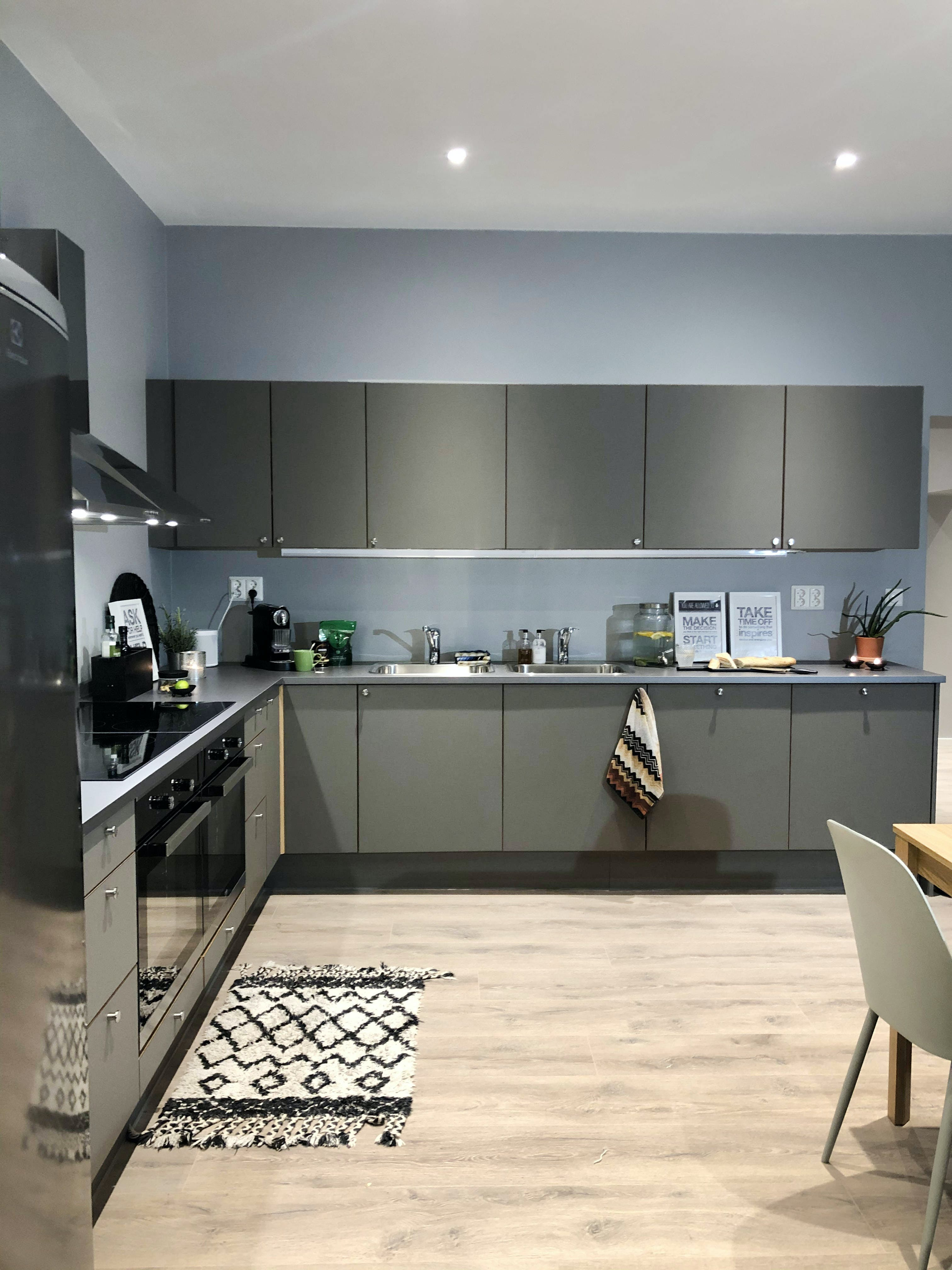 Elegant Vibrant House w/ Workspace