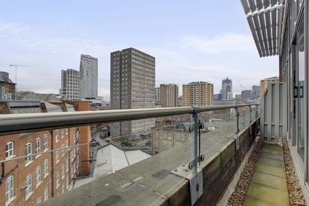 31 Residents | City Road - Old street | Luxury Apt. Overlooking the City w/ Coworking + Gym