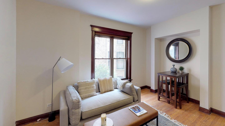 5 Residents | Lake View  | Spacious Cozy Apt. w/ Outdoor Deck