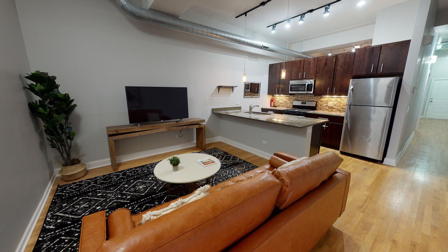4 Residents | W Diversey Ave. - Logan Square | Fabulous Styled Apt.