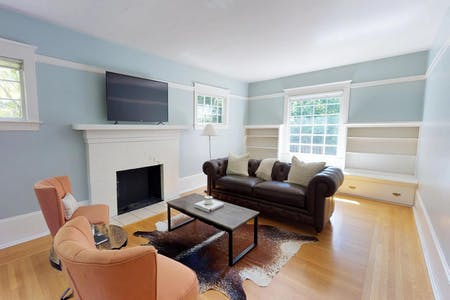 6 Residents |  Irvington | Spacious Bright House w/ Outdoor Areas
