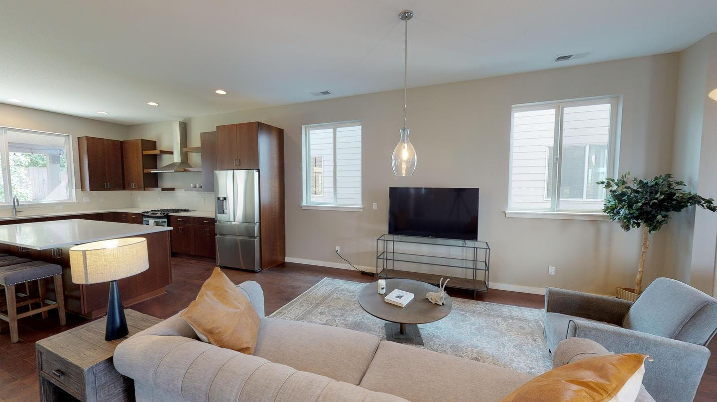 7 Residents | Piedmont | Spacious Home w/ Roofdeck