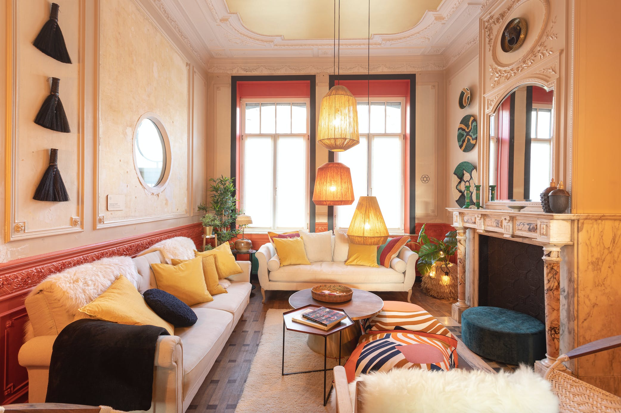 15 Residents | Ixelles | High-Ceilinged Mansion - Incl. Coworking + Gym + Movie Room