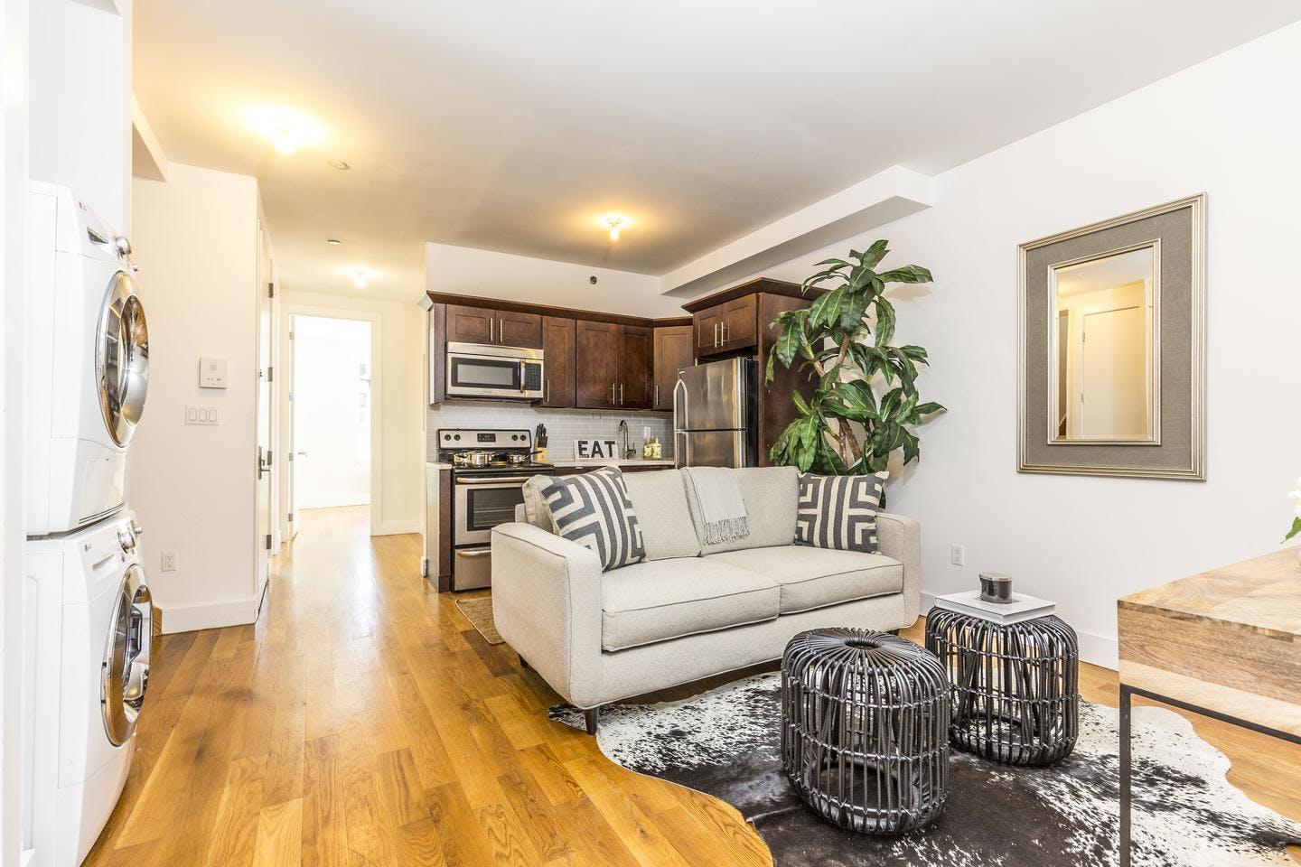 6 Residents   Scholes St. - Williamsburg   Bright Spacious Duplex w/ Rooftop
