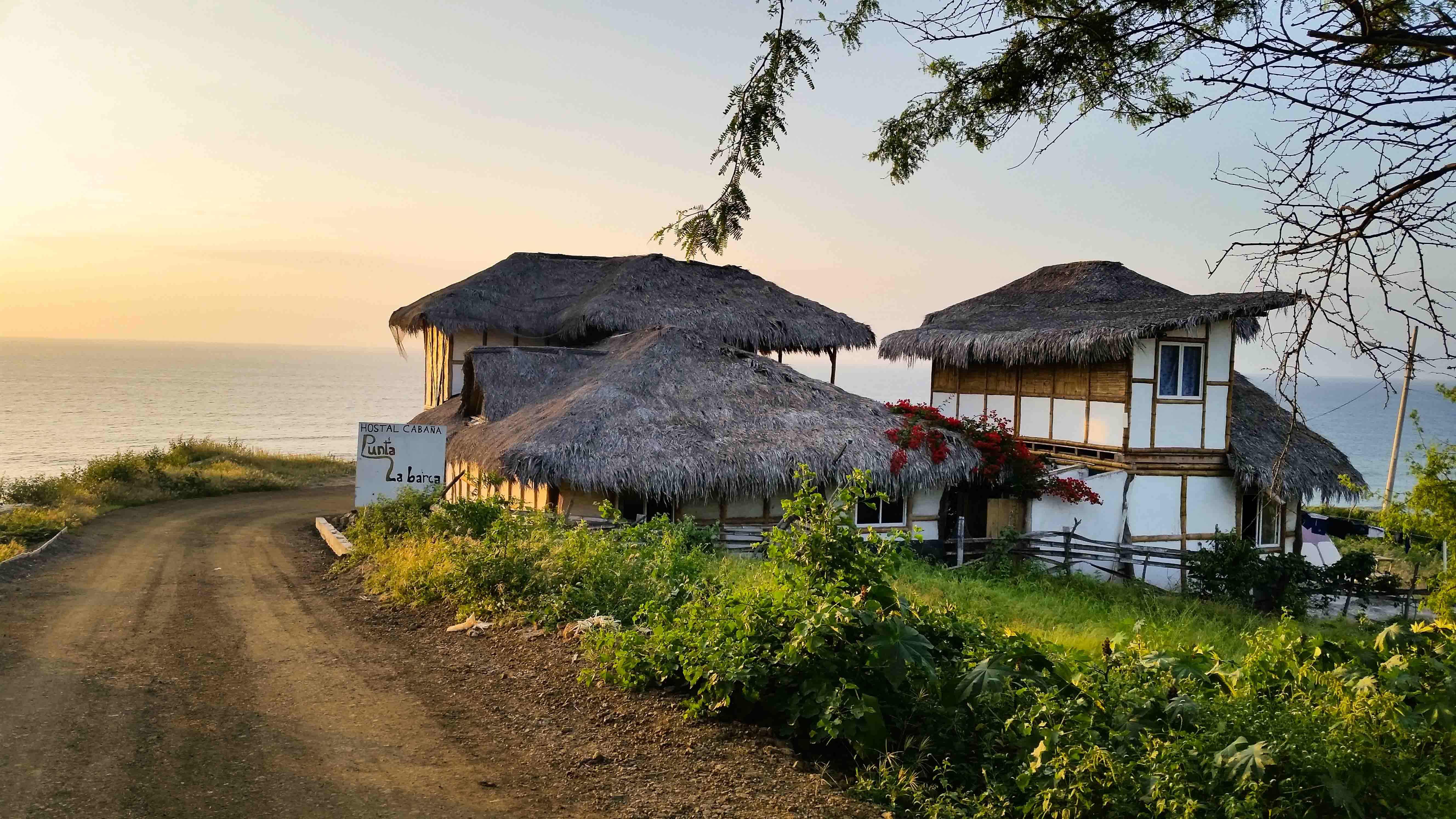 13 Residents | Santa Marianita | Beachfront Bamboo Villa - Incl. Coworking + Outdoors Areas