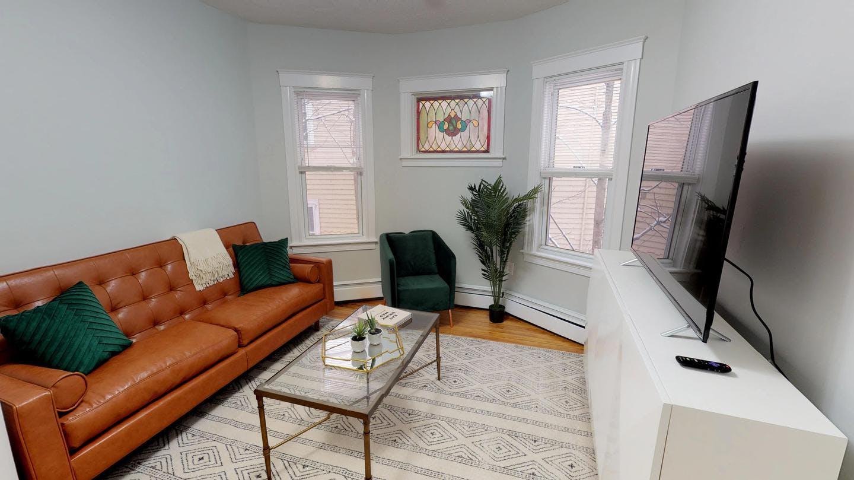 Cozy Bright House w/ Terrace