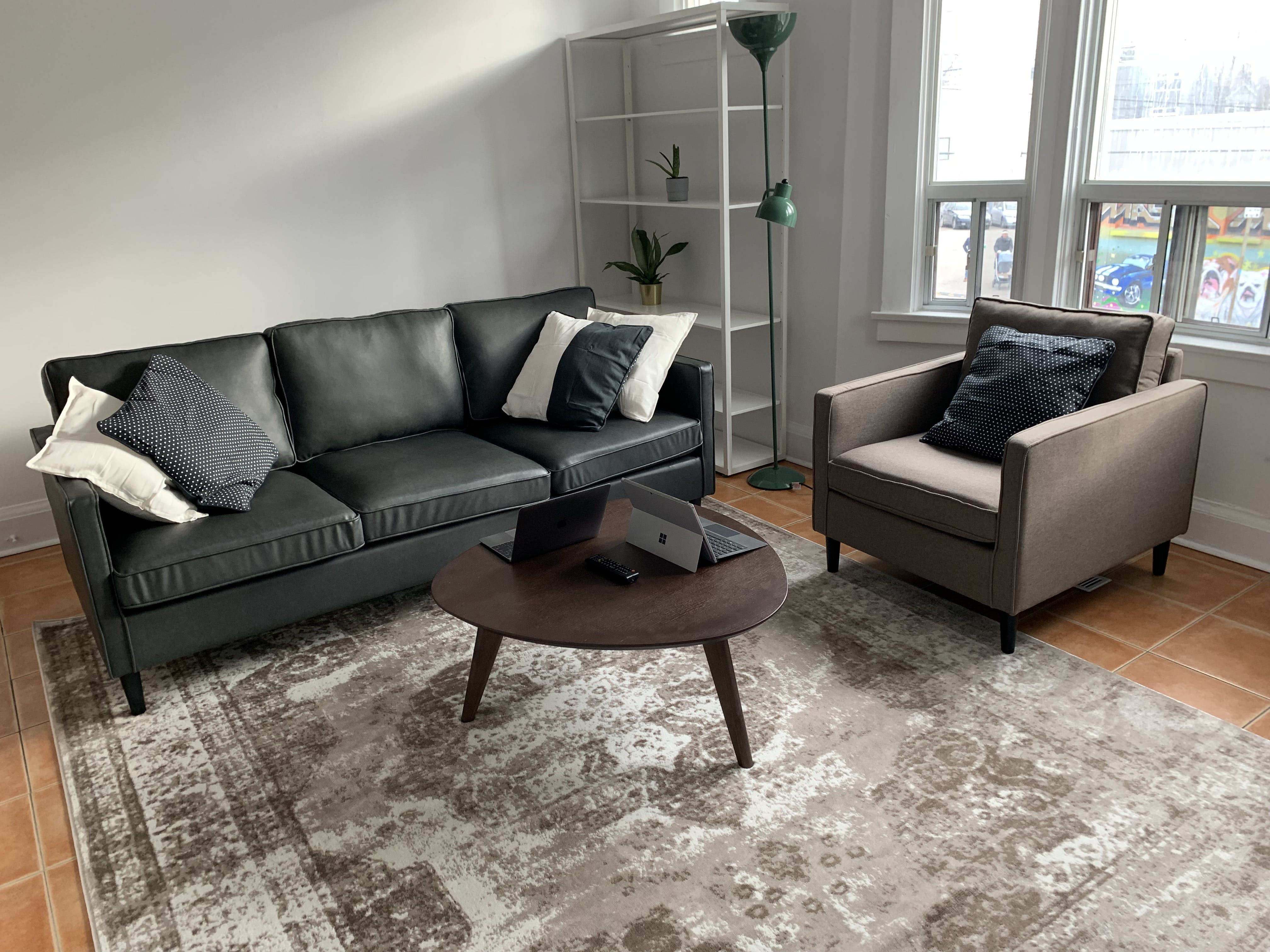 3 Residents   Dundas St. W - Roncesvalles   Newly Renovated Modern Apt. - Incl. Rear Terrace