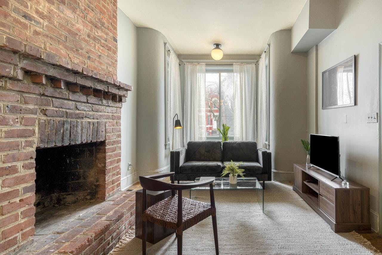 5 Residents | Columbia Heights | Spacious Styled Apt.