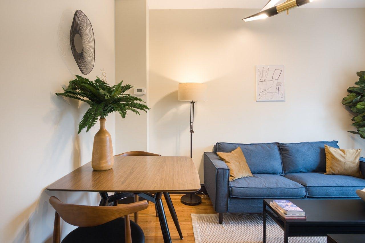 5 Residents | Northwest Washington | Classic Styled House w/ Outdoor Area