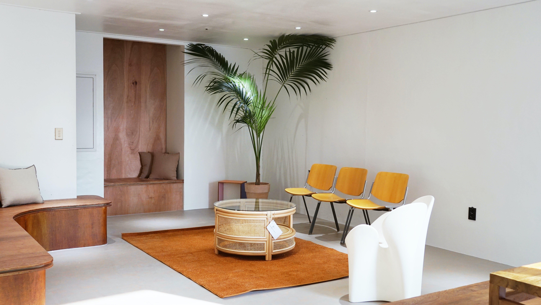 Urban Residence w/ Coworking + Lounge Areas