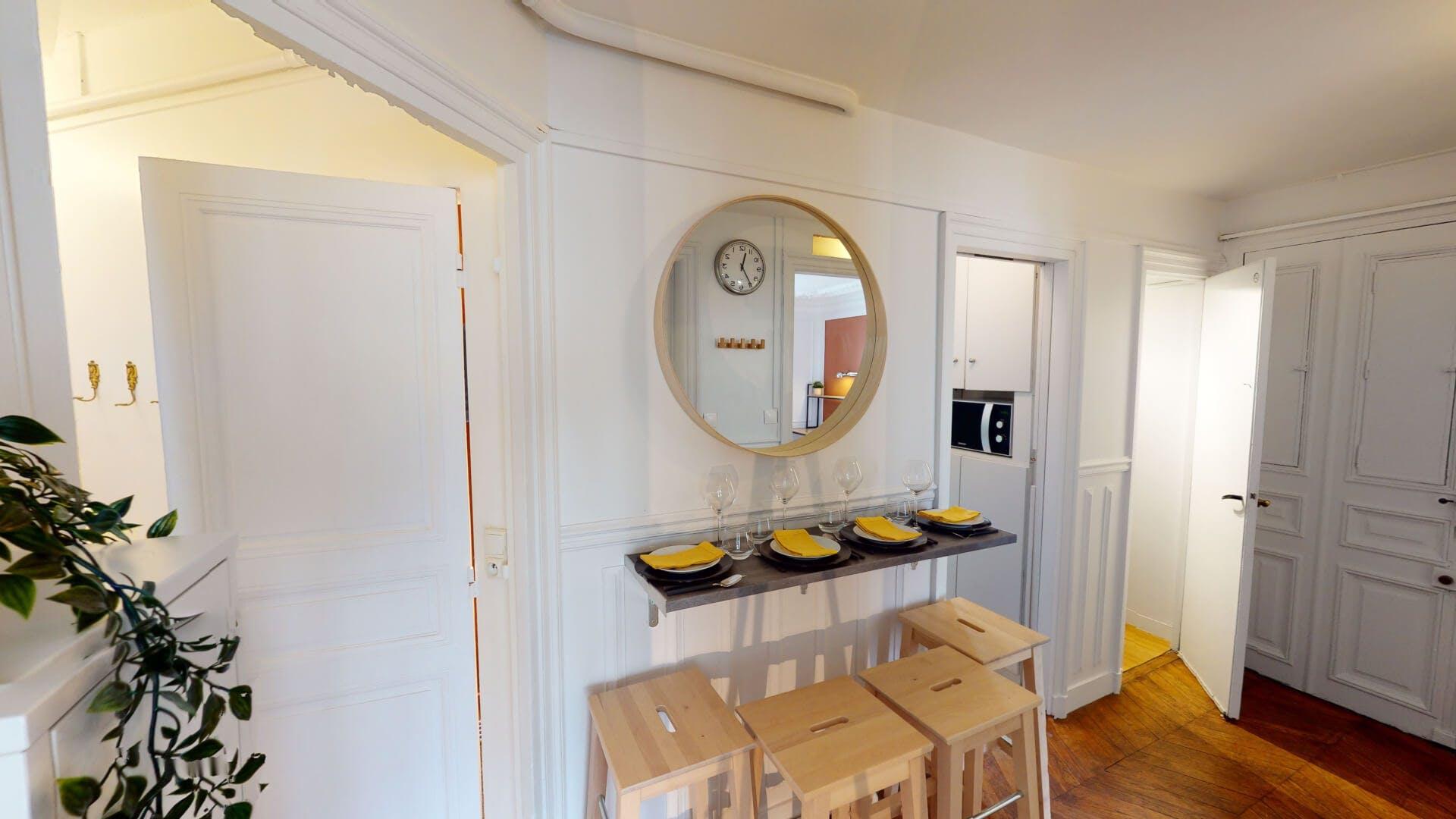 4 Residents   Champ-de-Mars   Marvelous & Modern Apt - Incl. Workspace