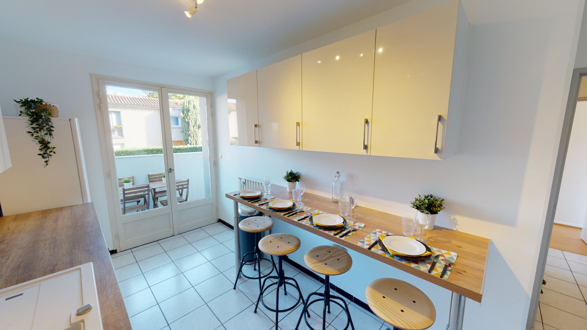 4 Residents | Saint Cyprien | Bright Urban Apt. - Incl. Terrace + Workspace