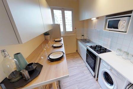 3 Residents | Matabiau | Urban Renovated Apt. - Incl. Private Terrace + Workspace
