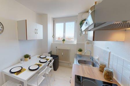 3 Residents | Jean Macé | Elegant  & Modern Apt. - Incl. Workspace