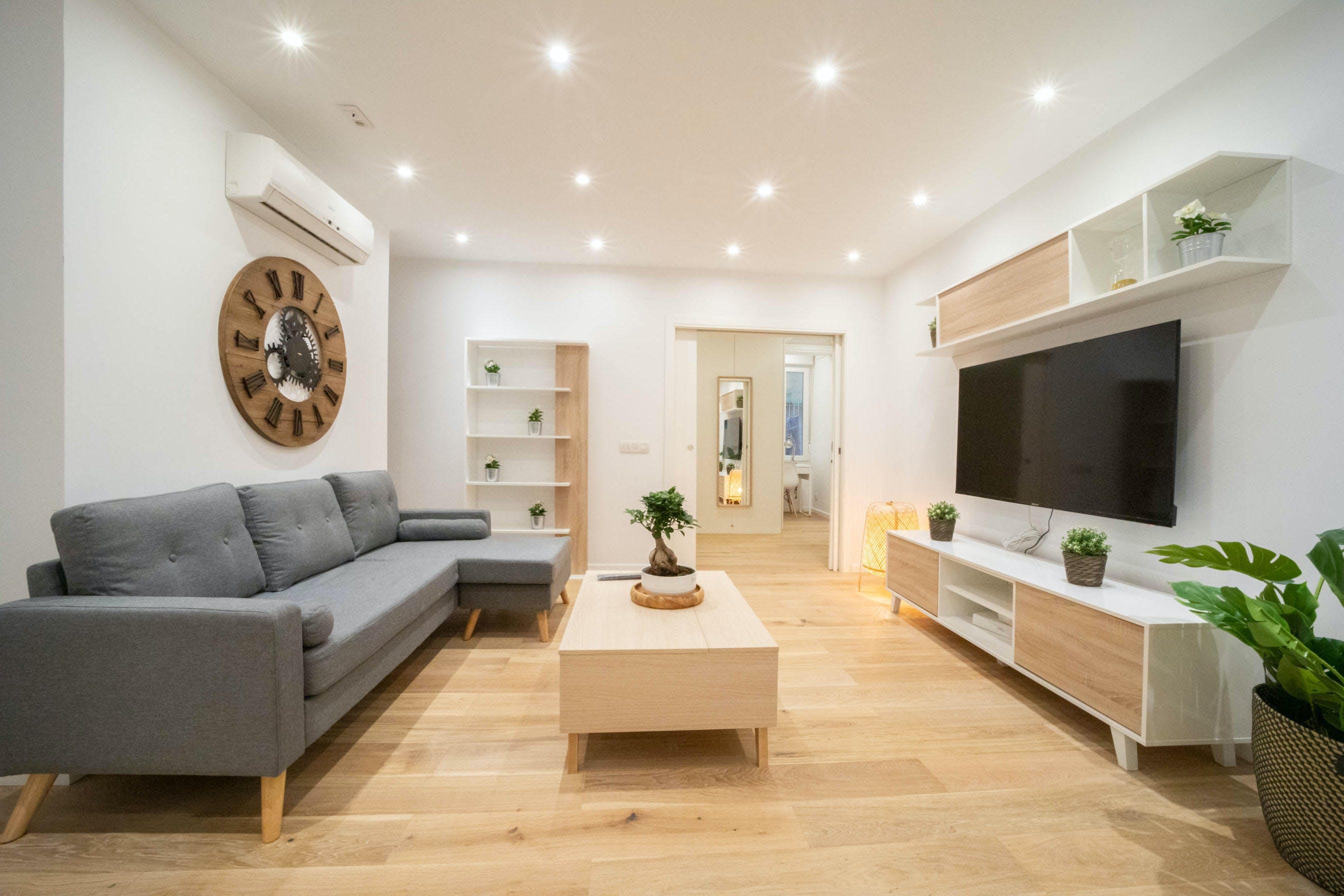 7 Residents   Gaztambide - Chamberí   Stunning Stylish Apt. w/ Large Workspace
