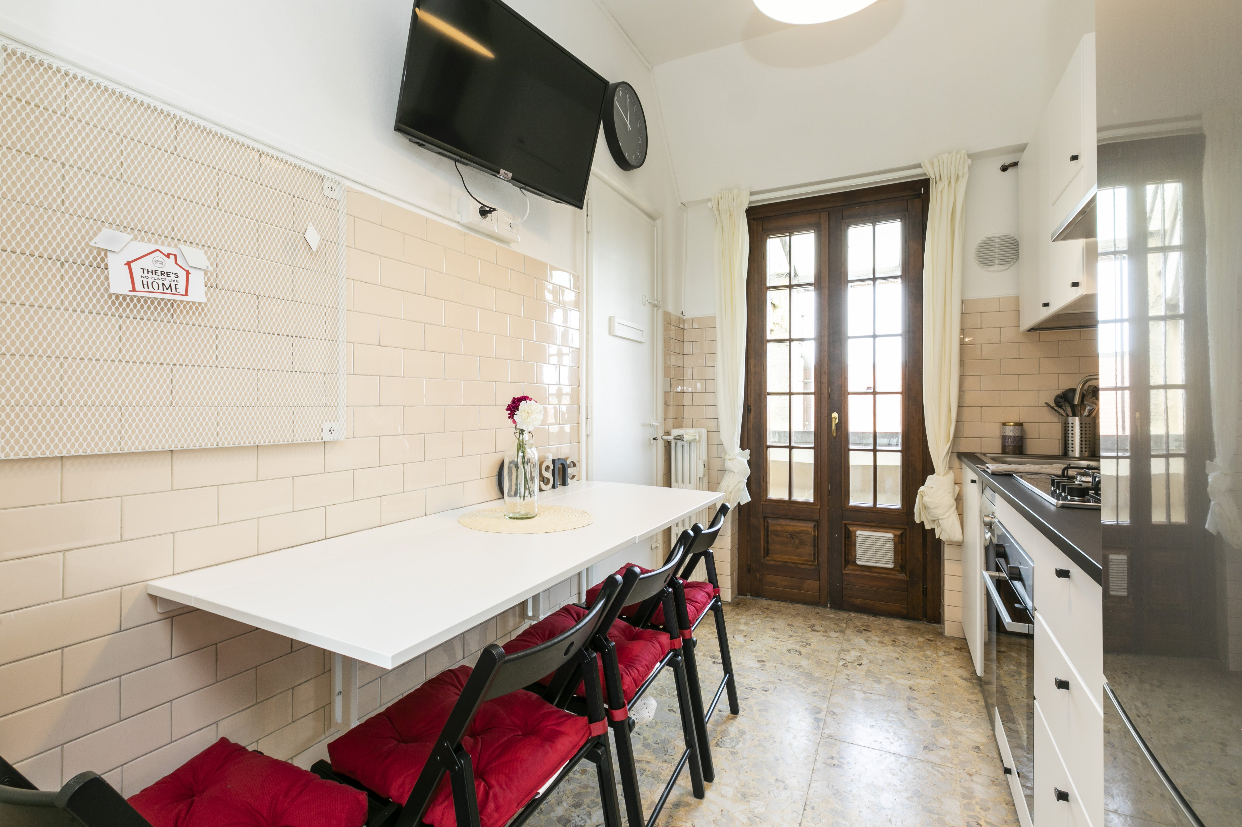 5 Residents | Isola | Comfy Styled Apt. w/ Terrace