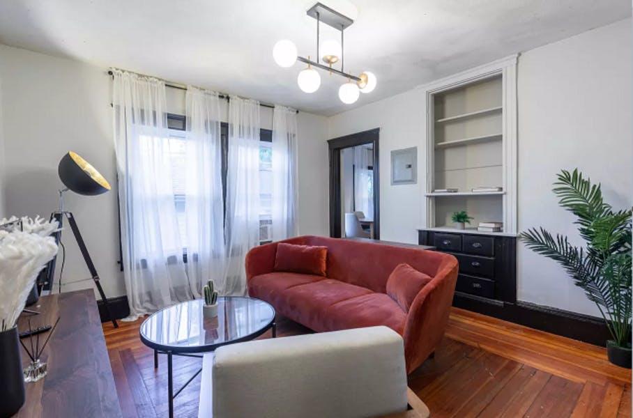 5 Residents   St. Elizabeth's   Urban Styled Apt. w/ Backyard Deck + Workspace