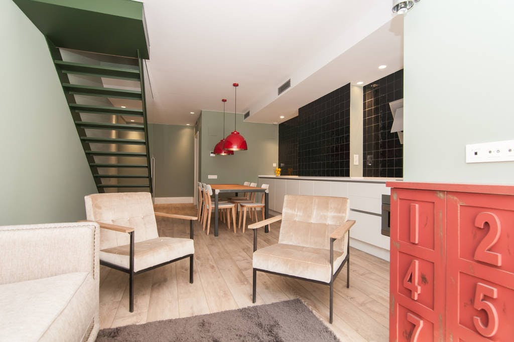 Stunning Relaxing House w/ Coworking+ Garden Deck